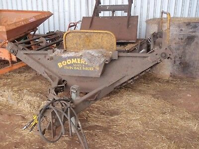 Round Hay Bale Feedout Trailer Boomerang  MK 11