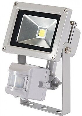 Silverline 259800 LED Floodlight 10W PIR UK POST FREE