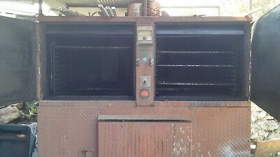 Commercial BBQ Smokemaster. Good condition. Dimensions:73x36x65