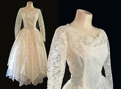 "VINTAGE 1950's TULLE AND LACE WEDDING DRESS GOWN ""BEAUTIFUL"""