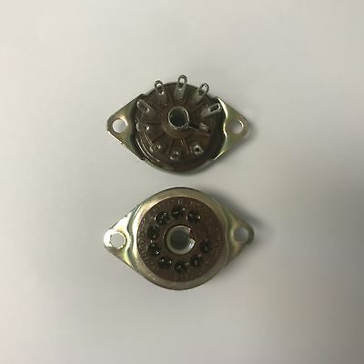 B9A MCMURDO CHASSIS MOUNT VALVE SOCKET x1PC (LC23)