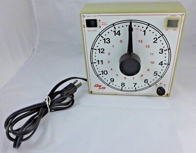 GRALAB 173 15-hr Dual Outlet Timer // Laboratory Timing / Photography Dark Room
