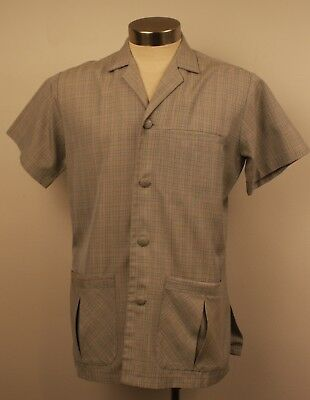 LARGE, ORGINAL VINTAGE 1970s MENS SHORT SLEEVE SAFRI SHIRT.
