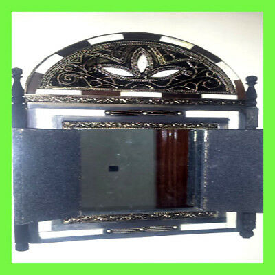 Moroccan mirror, hand-made100% 'handicraft' Made of copper and horn