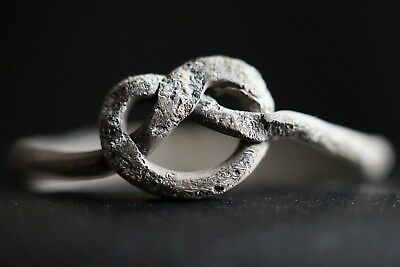 Ancient Celtic Twisted Silver Wire Ring in Trinity Eternity Knot, 150-50 Bc Mint