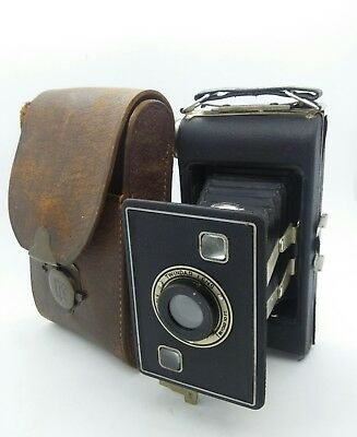 VINTAGE JIFFY KODAK Folding  film camera w/ leather case