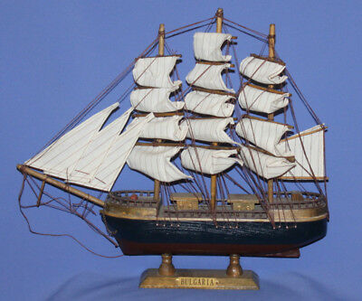 Vintage Hand Made Battle Caravel Wood Boat Ship Model
