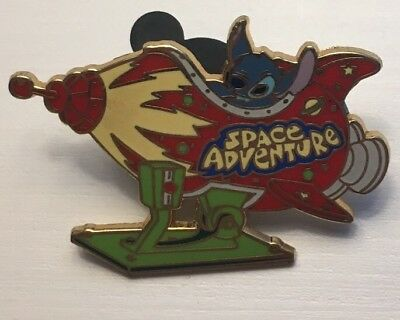 Disney - Lilo & Stitch Deluxe - Space Space Adventure Lanyard Pin