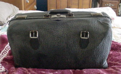 Antique Gynaecological Doctor Bag With 25+ Antique Tools