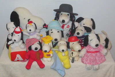 LOT of (14) PEANUTS SNOOPY FLUSH TOYS & SOME MUSICAL + PLASTIC BANKS - NICE