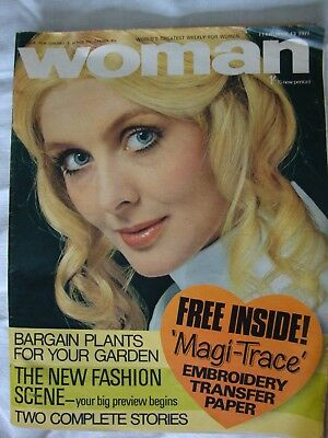 """Vintage """"Woman and Woman's Mirror"""" magazine, February 13th 1971"""