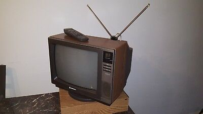 "Vintage 1988  Samsung Celebrity 13"" Color Television TC3643C Retro Wood Grain TV"