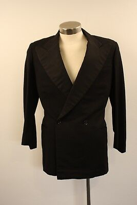 SMALL , ORIGINAL VINTAGE 1940s MENS DOUBLE BREASTED DINNER JACKET.