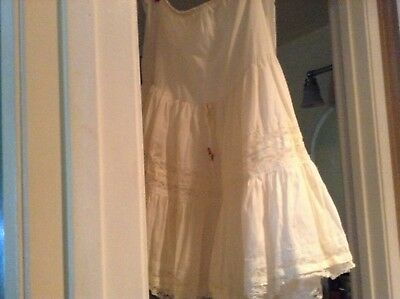 ROCKABILLY RUFFLED 1950s Vintage TIERED CIRCLE COTTON  LACE SLIP