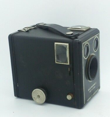 Vintage Kodak SIX-20 Brownie MODEL C Box Camera w/used 620 film