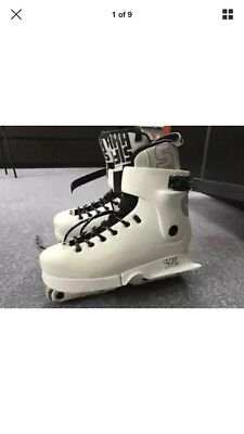 Usd seven skates, mens, white, used, good condition, boxed, size 10 rollerblades