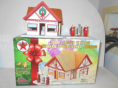 Racing Champions Texaco Town Filling Station 1998 Limited Edition - NIB