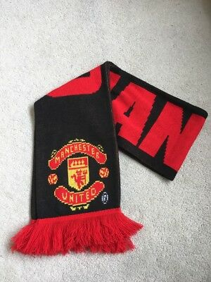 OFFICIAL Manchester United Man Utd Red Devil Scarf Football Van Persie