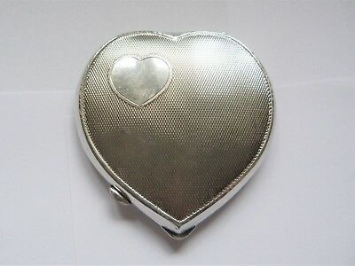 1953 - SOLID SILVER - HEART SHAPE - COMPACT - BOX - BROADWAY & Co - 93.1 grams
