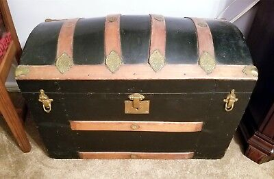 Antique dome top trunk/chest/steamer with tray XLNT condition