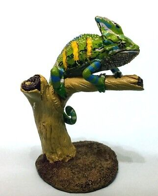 Colorata Wild animal - Rain forest Veiled Chameleon figure