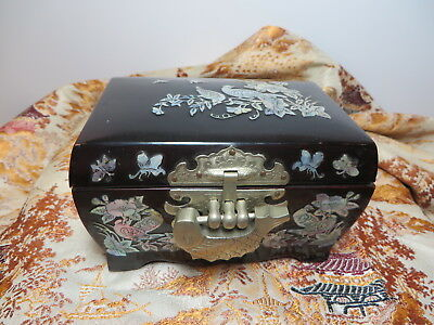 Black Lacquer Mother-of-pearl Chinese Trinket Box with Interesting Clasp