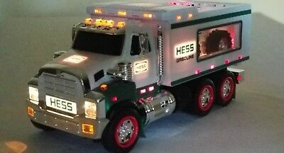 """Hess """"toy Truck And Front Loader""""-New In Box"""