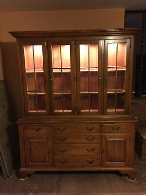 Ethan Allen Hutch China Cabinet EXCELLENT condition