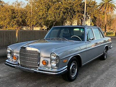 1972 Mercedes-Benz 300-Series W109 in 735 w. Blue leather int. and SUNROOF * 1972 Mercedes Benz 300SEL 4,5 in silver/blue, 80k, records, A/C, BECKER, SUNROOF