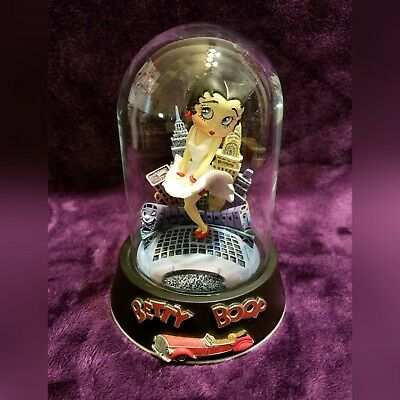 Betty Boop Franklin Mint Collector Figurine Cool Breeze Glass Dome EUC
