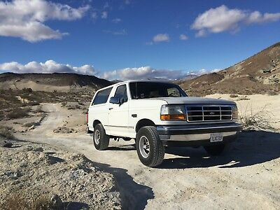 """1993 Ford Bronco XLT 1993 Ford Bronco XLT 5.8L V8 with Flowmaster exhaust and brand new 31"""" AT tires"""