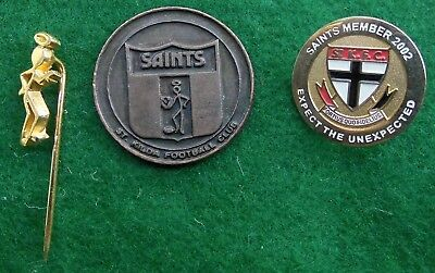 Vintage St Kilda FC items 1981 medallion, 2002 members badge, gilt lapel pin.