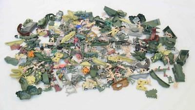 Bulk lot of Toy soldiers, vehicles etc. - Plastic #14092