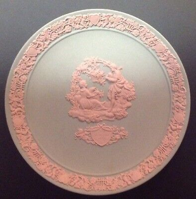 Wedgewood Valentines Day Plate 1985 Gray with Pink #6823