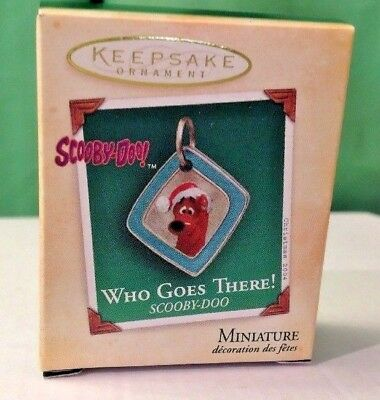 2004 Hallmark Miniature ornament Who Goes There! Scooby Do, New in Box
