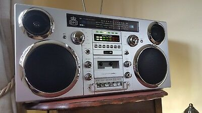 GPO Brooklyn Portable Boombox  Music CD Bluetooth Radio Cassette Tape Retro