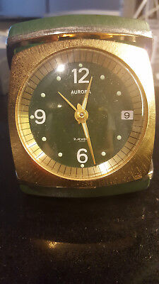antique clock, winding, nice collectable.