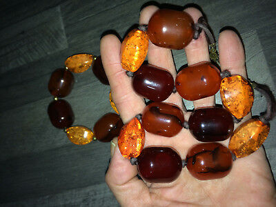 AMBER_A necklace and a wristband, 11 beads are amber
