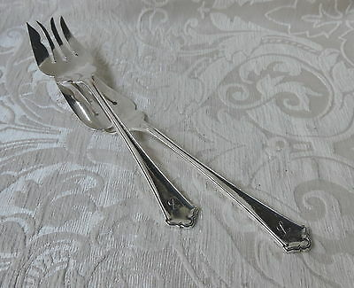 Rare Pair of Elkington 1957 Chippendale Pattern Silver Plate Serving Forks