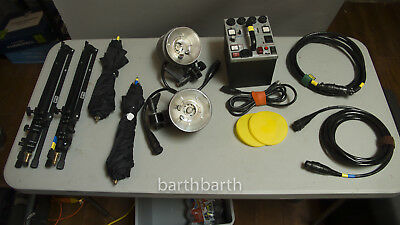 Dynalite Strobe M1000x kit with 2x 2040 heads, stands, umbrellas, good condition