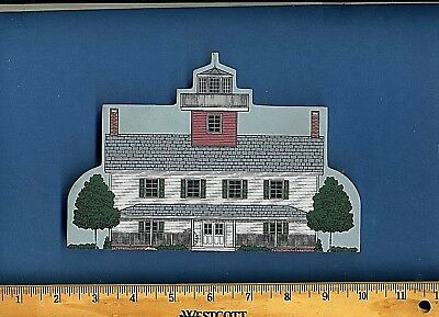 Tucker's Island Lighthouse Hometowne Collectibles East Coast Lighthouse Series