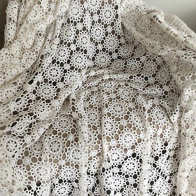 TABLECLOTH - LACE RECTANGULAR - EXTREMELY LARGE - VINTAGE - 265 X 170cm