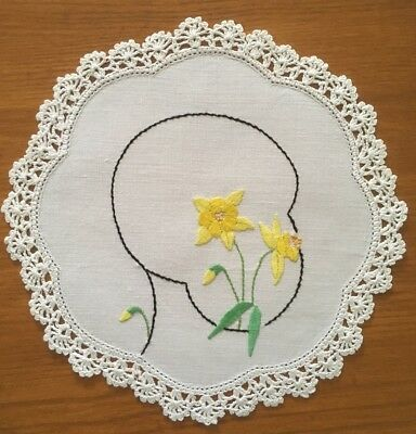 Vintage Hand Embroidered Daffodil Linen Doily