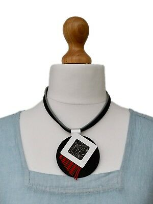 LOLILOTA*AMAZING ART LONG NECKLACE//PENDANT RUBBER+METAL*QUIRKY DESIGN*PINK*