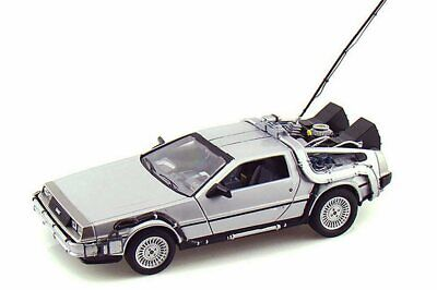 Back To The Future Delorean Time Machine 1/24 Scale Diecast Car By Welly 22443Sv