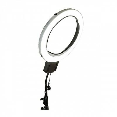 NanGuang CNR-640 LED Ringlight, London
