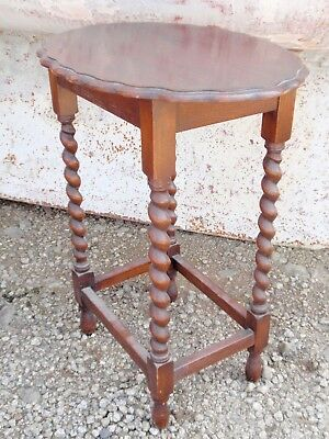 Antique Oak Oval Occasional Side Table with Barley Twist Legs Scallop Edge 28""