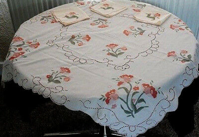 Vintage Pretty Cream Tableclith With Embroidered Flowers Lace Inserts + Napkins