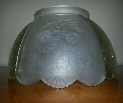 """Vintage Frosted Glass Daisy & Lattice Gas Lamp Shade ~ 3 7/8"""" fitter"""