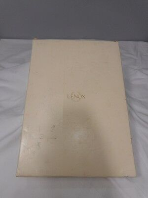 Pre-Owned Lenox Inc Wedding Promises Heart Flute Champagne Pair